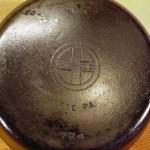 No 5 Griswold PN 724 Skillet with lid bottom