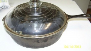 No8 Wagner skillet deep with glass lid side