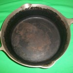 No90 Griswold Deep Dble Skillets base inside view