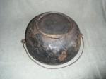 No 4 Erie Scotch Bowl PN 782 bottom obliqueTop