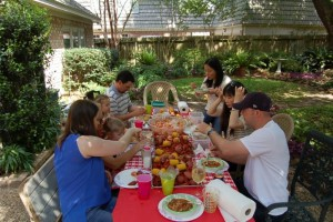 Crawfish table 2016 Easter 2 96dpi